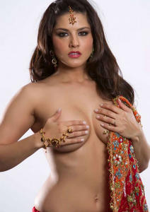 where celebrity are exposed hot sunny leone exposed her
