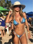 Cacau Collucci sensual nas redes sociais