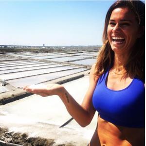 Claudia Vieira sensual nas redes sociais em tempos passados