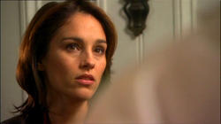 Click thumbnail for full size Amy Jo Johnson picture