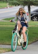 Кристен Белл, фото 8385. Kristen Bell On bicycle in Los Feliz FEB-28-2012, foto 8385