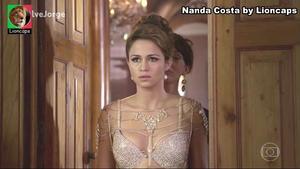 Nanda Costa sensual em vários trabalhos