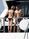 http://img243.imagevenue.com/loc533/th_08615_Kate_Moss_Bikini_Candids_on_a_Yacht_in_the_Mediterranean_July_7_2011_31_122_533lo.jpg