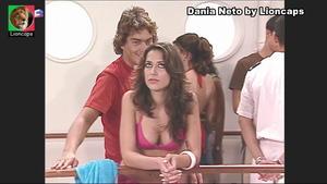 Dania Neto sensual na serie Maré Alta