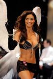 th_12490_Victoria_Secret_Celebrity_City_2008_FS_522_123_587lo.jpg
