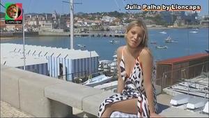 Julia Palha sensual no programa Selfie